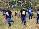 """Los trabajadores del Centro de Rehabilitación de Primates Lwiro en la República del Congo han demostrado ser unos grandes cuidadores de los animales huérfanos que tienen en su reserva. Estos hombres y mujeres, que utilizan mascarilla para proteger a los monos de la Covid, quisieron mostrar su gran labor a finales de agosto con un baile con el que animaban a """"encontrar la felicidad en las pequeñas cosas"""" en estos """"tiempos tan inciertos""""."""