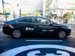 Archivo - El coche de Uber en Madrid
