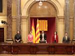 La presidenta del Parlament, Laura Borràs, este viernes junto a Anna Caula, Eva Granados, Jaume Alonso Cuevillas, Ferran Pedret y Ruben Wagensberg, en el hemiciclo de la Cámara tras su proclamación.