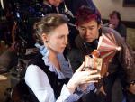 El director James Wan con la actriz Vera Farmiga