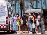 Trasladan a estudiantes al Hotel Palma Bellver, el hotel covid donde se alojan algunos de los estudiantes que vinieron a Mallorca en viaje de estudios y que han tenido contacto con positivos, este domingo.