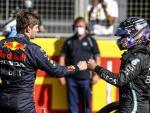 Max Verstappen y Lewis Hamilton, en Silverstone