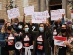 Trabajadores del sector del ocio educativo y la animación sociocultural protestan en Barcelona contra su precariedad laboral.